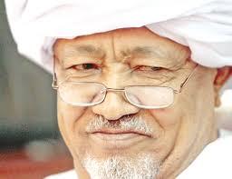 """القبض على الطيب مصطفى بعد وصفه عضو في """"إزالة التمكين"""" بـ """"الروبيضة"""""""