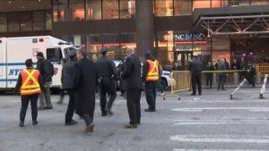 """مسؤولو مانهاتن: هجوم مترو الأنفاق """"إرهابي"""" واعتقال المهاجم ووقوع إصابات"""
