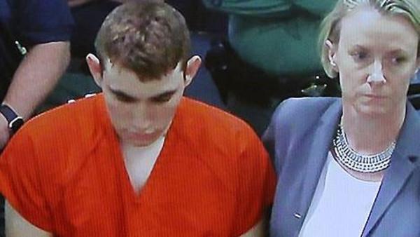 الأميركي المتهم بقتل 17 من زملائه في المدرسة يعاني اضطرابات عقلية