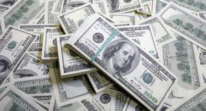 الدولار يساوي 46 جنيهاً ومسؤول ببنك السودان يتوقع وصوله إلى 50 جنيهاً