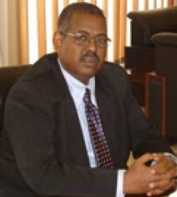 إيلا يصدر قراراً بحل مجلس إدارة شركة السكر السودانية وإعفاء مديرها العام
