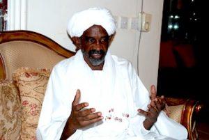 رحمةً بالشعب السوداني: قيادي إسلامي يطالب البشير بتسليم نفسه للجنائية