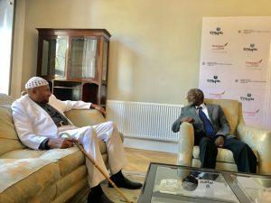 في زيارته السفارة الإثيوبية بلندن.. المهدي: على إثيوبيا دور كبير في وقف البنادق في إفريقيا