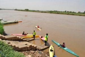 """شباب في ماراثون النيل القومي للتجديف"""" يقطعون 758 كيلو متراً"""