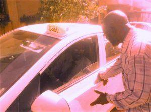 جهاز الأمن يحول صحافياً إلى سائق تاكسي