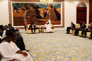 لقاء بين البشير وسلفاكير: تأكيد دعم السودان للجنوب