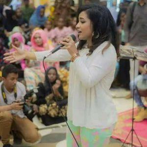 """""""النظام العام"""" يوقف المطربة منى مجدي والمؤتمر السوداني ومبادرة (لا لقهر النساء) يستنكران"""