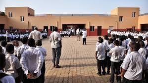 مديرة مدرسة خاصة: توحيد الامتحان للأساس بهدف جني الأموال وأخطاء في الامتحانات