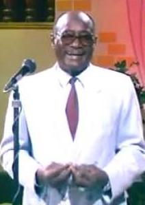 وفاة الفنان إبراهيم حسين الترزي الذي جاء من أرض القاش ليطرب أهل السودان