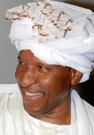 أيها الناس: استعدوا لبلد يعيش لصوصه بأموالنا خارج السودان والمجلس العسكري يشتري لهم الوقت!