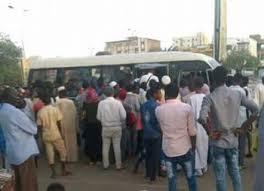 أزمة المواصلات تتفاقم بكل محليات الخرطوم ومشادات بين الشرطة والسائقين