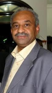 تعقيباً على إيقاف المراسلين..فيصل محمد صالح: هل سيجمل ذلك صورة الحكومة؟ هل سيخفي الحقائق؟