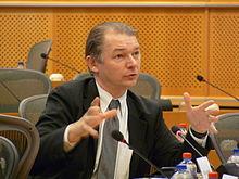 البرلماني الأوروبي فيليب لامبرت: السودان يعيش منذ 30 عاماً تحت قهر نظام الرئيس البشير