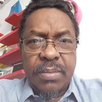 الصحفيون السودانيون بالسعودية ينعون عادل حجر
