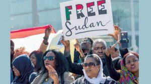 مظاهرات سودانية بالخارج تندد بممارسات (العسكري) وتطالب بتسليم السلطة للمدنيين
