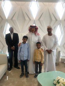 """في لفتة إنسانية: الأمير سلطان بن سلمان يواسي أسرة حيدر سعد الدين موظف """"التراث"""""""