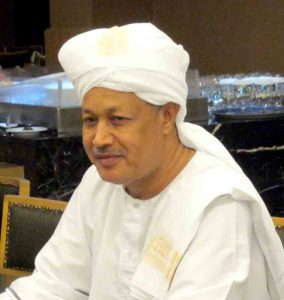 السفير عبدالرحيم الصديق يقدم أوراق اعتماده لأمير دولة قطر