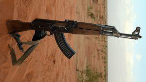احبطتها الشرطة بالقضارف… محاولة تهريب أسلحة كلاشنيكوف محملة على ظهور الإبل