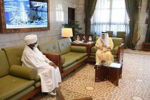 أمير منطقة الرياض يستقبل سفير جمهورية السودان لدى المملكة