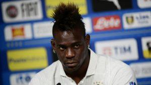 مدرب منتخب إيطاليا: مؤسف أن يفشل بالوتيلي في إيجاد ناد يدافع عن ألوانه