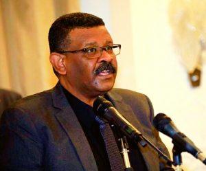 والي الخرطوم: لاتراجع عن بيع الخبز بالكيلو وتعهد بتوفير الغاز