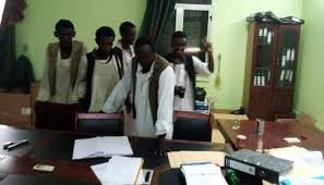 تحطيم مقر لجنة إزالة التمكين ببورتسودان