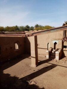 صور لمساجد عتيقه وحديثه في ريفي السكوت