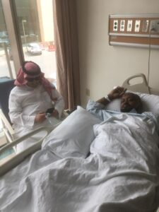 الف سلامة للاستاذ هيثم سعيد قديم أجرى عملية جراحية لإزالة الحصاوي بمستشفي التخصصي الطبي بالعليا