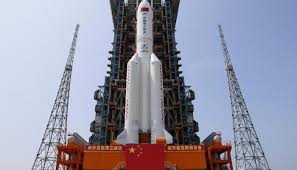 الصين تعلن تفكك صاروخها التائه فوق المحيط الهندي
