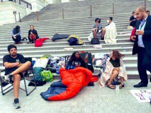 كورى بوش الوجه الجديد للتمثيل النيابي:مارست الاحتجاج عن طريق النوم امام الكونغرس