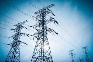 وزير الطاقة يحذر من أزمة متصاعدة فى توليد الكهرباء